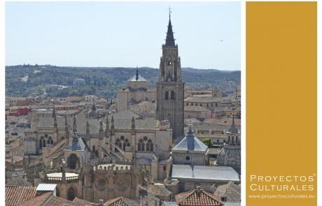Los monumentos históricos más fascinantes de Toledo: Catedral y Alcázar.